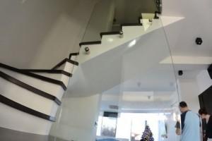 szklana balustrada 125