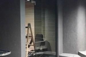 szklane drzwi sciany 51