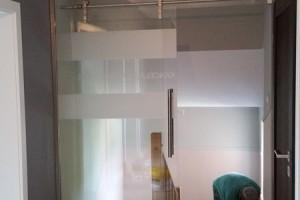 szklane drzwi sciany 60