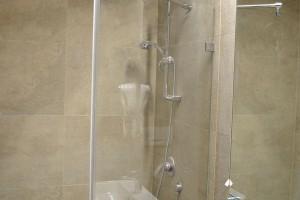 kabiny prysznicowe parawany 59
