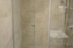 kabiny prysznicowe parawany 62