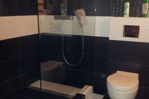 kabiny prysznicowe parawany 72