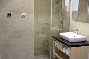 kabiny prysznicowe parawany 78