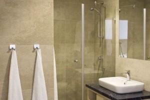 kabiny prysznicowe parawany 83