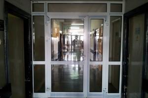 drzwi w budynku 03